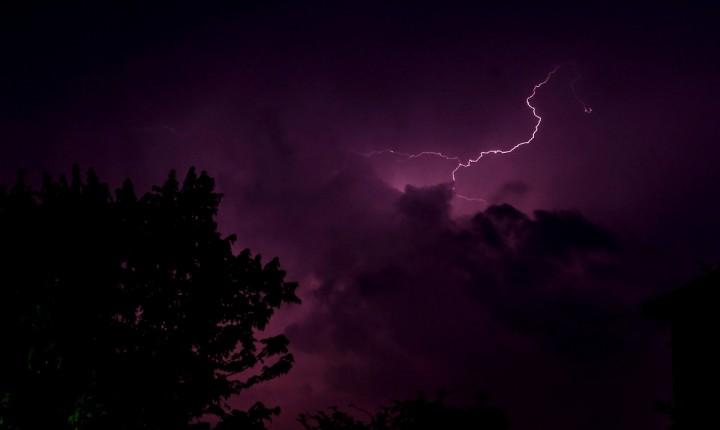 Fulmine a ciel sereno